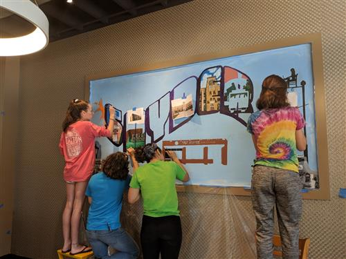 Students paint mural