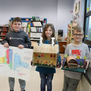 Students hold Native American projects