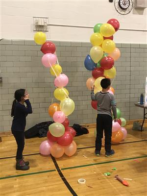 Building a tall balloon tower