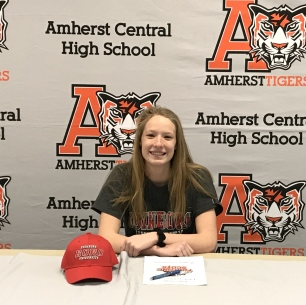 Paige Smith Signs her letter of intent