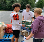 Student Athletes Assist at Pantry