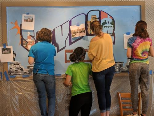 students paint Snyder mural